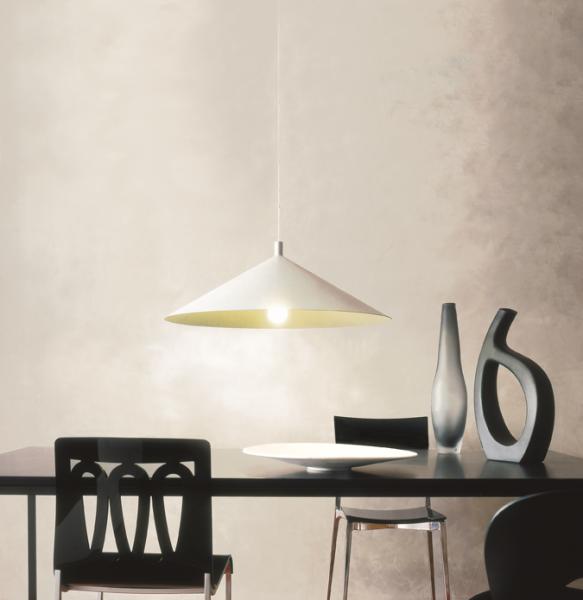 tavolo con sedie + f